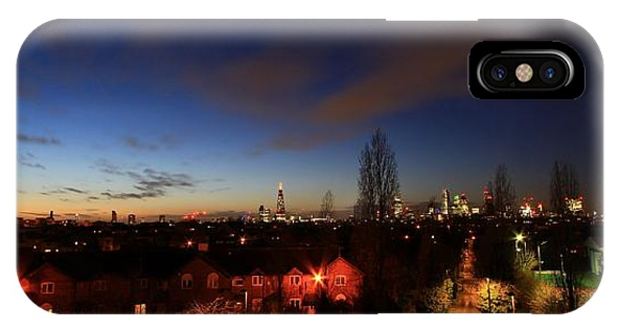 London IPhone X Case featuring the photograph London 30 by Mariusz Czajkowski