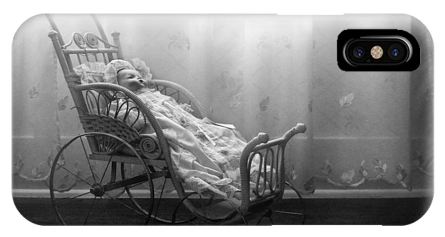 Bess Streeter Aldrich IPhone X Case featuring the photograph Lullaby by Nikolyn McDonald
