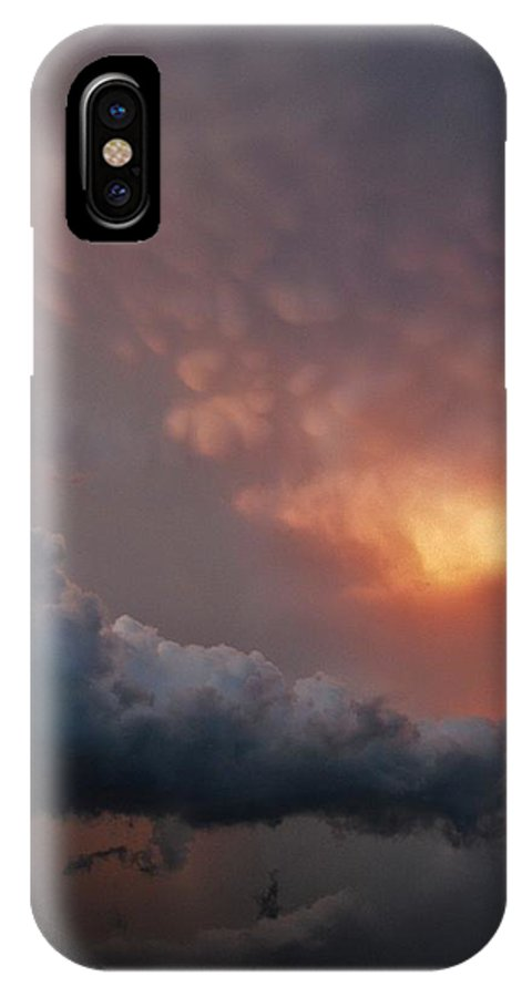 Texas IPhone X Case featuring the photograph Mammatus At Sunset by Ed Sweeney