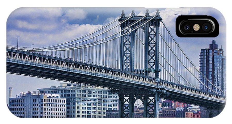 Landscape IPhone X Case featuring the photograph Manhattan Bridge by Boris Blyumberg