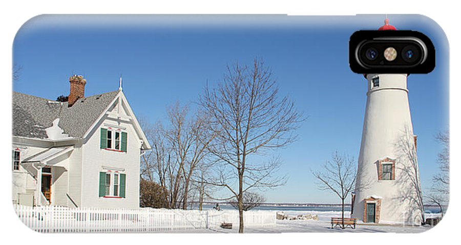 Marblehead Lighthouse IPhone X Case featuring the photograph Marblehead Lighthouse In Snow by Jack Schultz