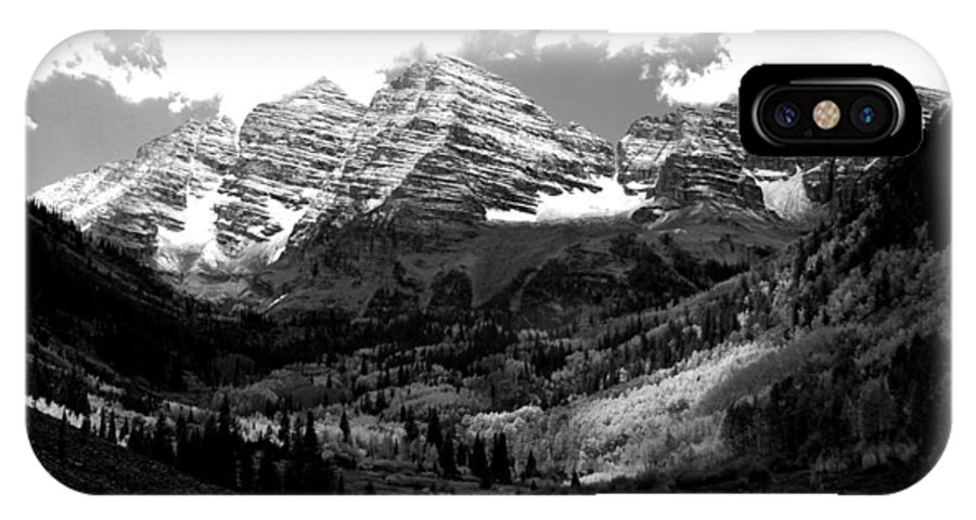 Maroon Bells IPhone X Case featuring the photograph Maroon Bells In Black And White by Breanna Calkins