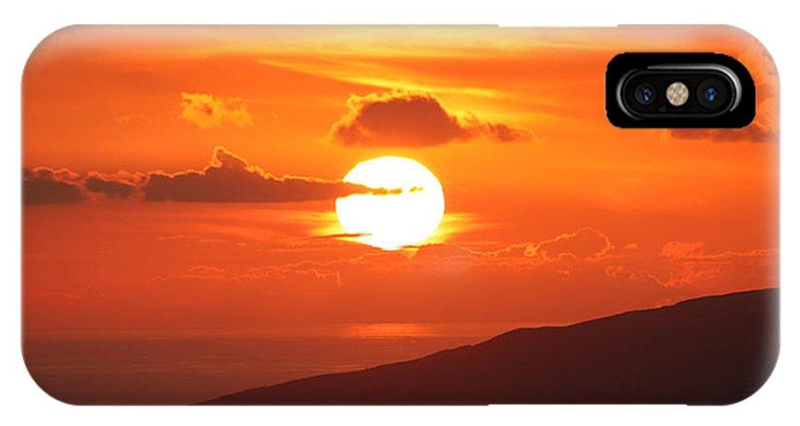 Maui IPhone X Case featuring the photograph Maui Kulamalu Sunset 3 by Pharaoh Martin
