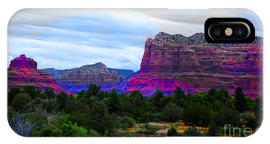 Sedona Arizona IPhone X Case featuring the photograph Glorious Morning In Sedona by Beverly Guilliams