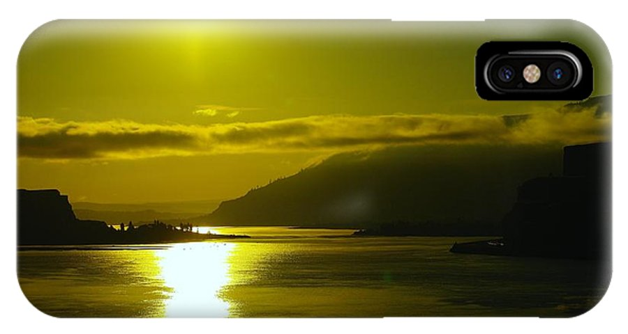 Columbia River IPhone X Case featuring the photograph Morning On The Columbia River by Jeff Swan