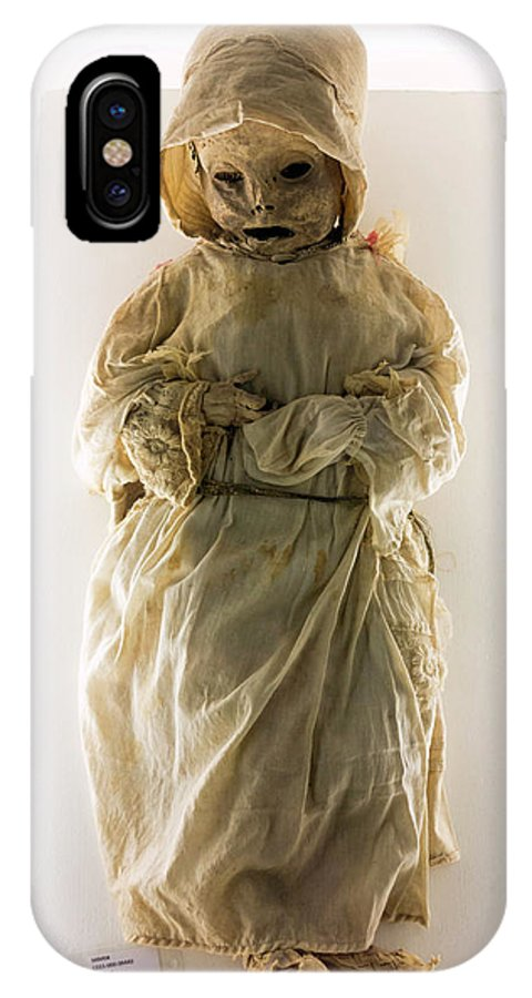 Mummy IPhone X Case featuring the photograph Mummy Museum by Daniel Sambraus