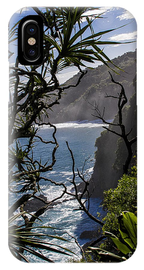 Hawaii IPhone X Case featuring the photograph North Shore by Ronald Lutz