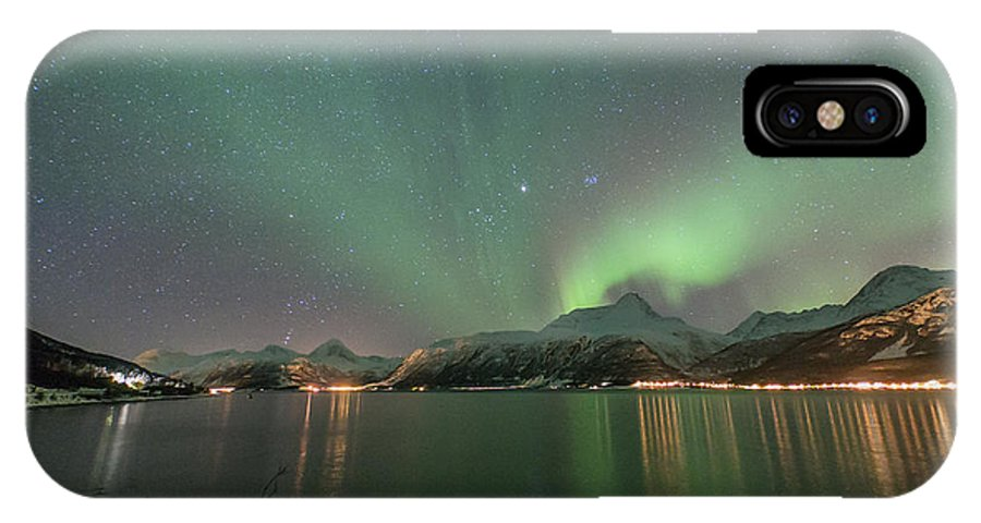Northern Lights IPhone X Case featuring the photograph Northern Lights Experience I by Tom Kiil
