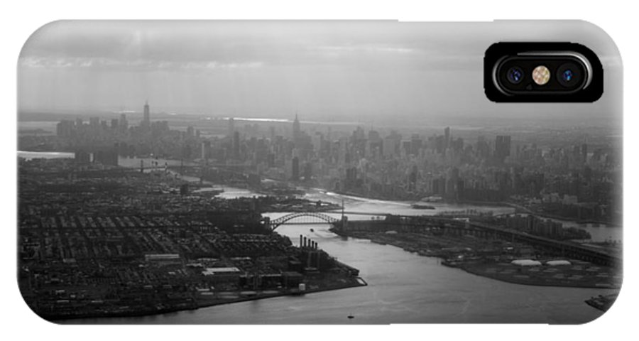 Nyc IPhone X Case featuring the photograph Nyc Skyline by Jessica Wakefield
