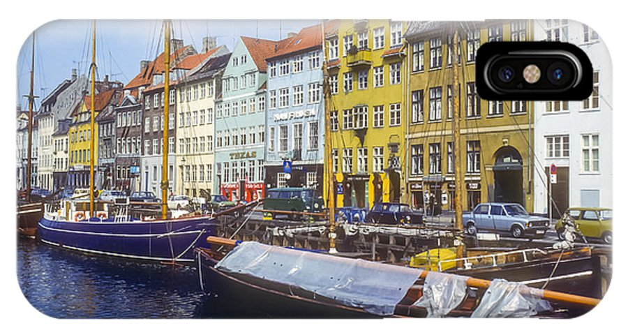 Copenhagen Denmark Waterfront Building Buildings Structures Structures Boat Boats Water Architecture City Cities Cityscape Cityscapes IPhone X Case featuring the photograph Nyhavn by Bob Phillips