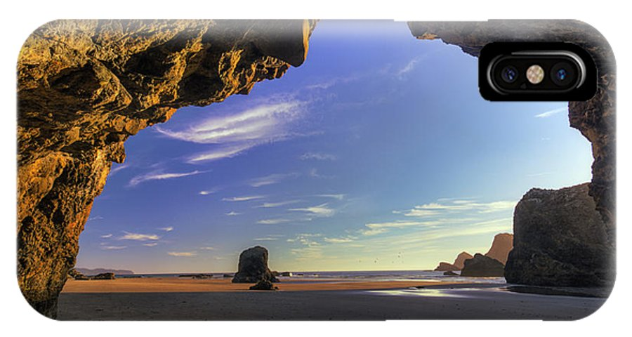 Oregon IPhone X Case featuring the photograph Oceanside Hideout by Mark Kiver