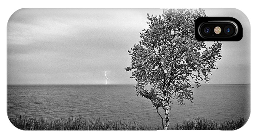Lake Superior IPhone X Case featuring the photograph One On One by Doug Gibbons