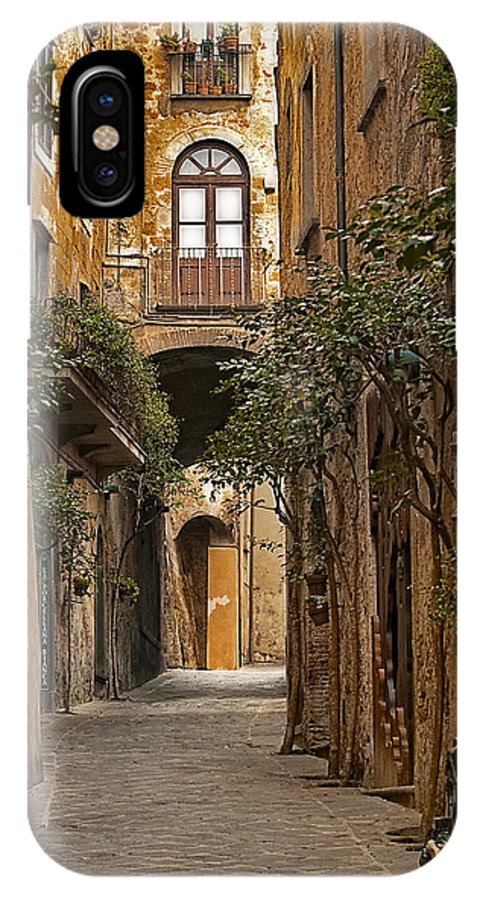 Orvieto IPhone X Case featuring the photograph Orvieto Side Street by Lynn Andrews