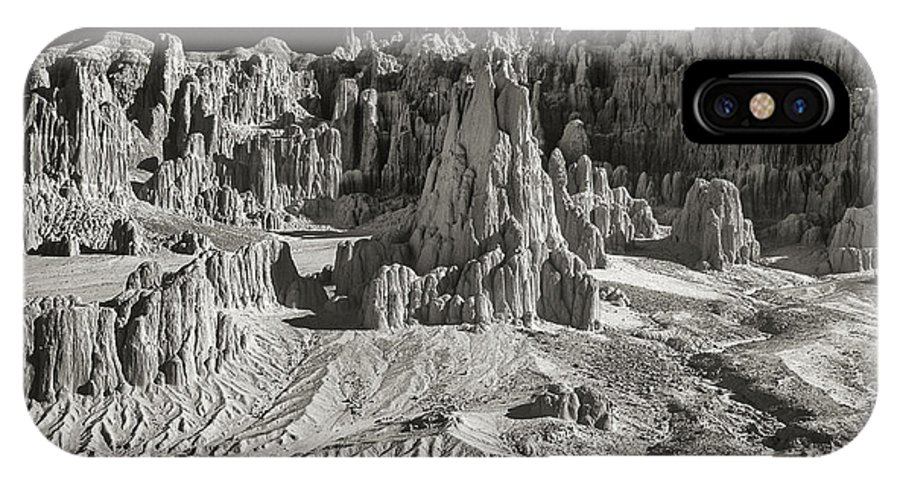 North America IPhone X Case featuring the photograph Panaca Sandstone Formations In Black And White Nevada Landscape by Dave Welling