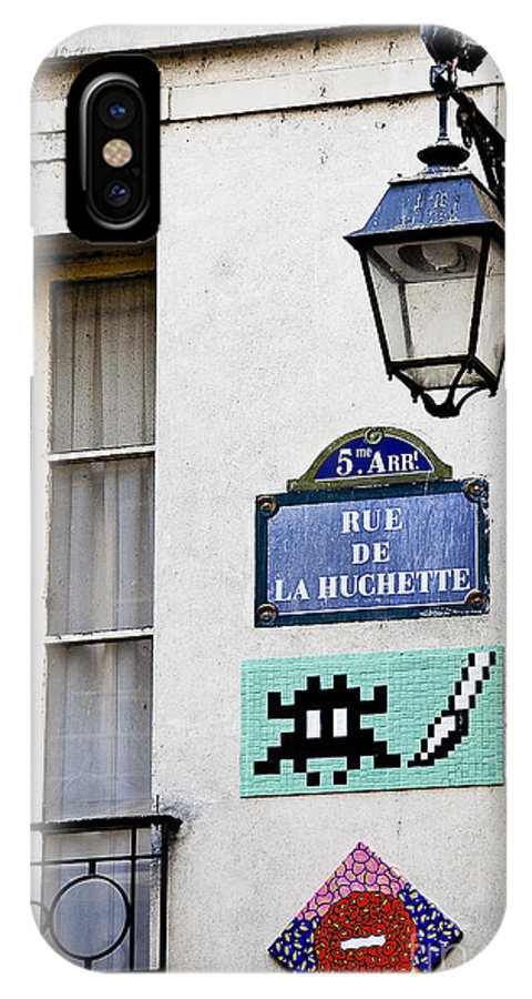 Photography IPhone X Case featuring the photograph Paris Street Art - Space Invader by Ivy Ho