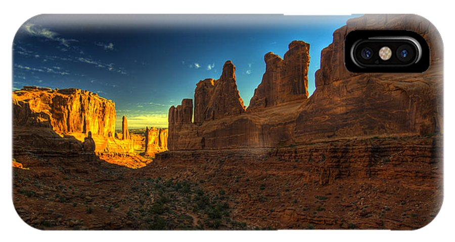 Arches National Park IPhone X Case featuring the photograph Park Avenue Trail by Fred Adsit
