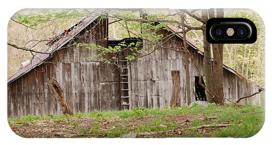 Pendleton County IPhone X Case featuring the photograph Pendleton County Barn by Randy Bodkins