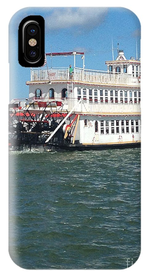 Ferry Boat IPhone X Case featuring the photograph Queen Victoria Ferry by Anne Cameron Cutri