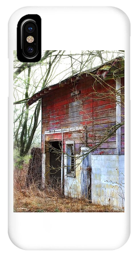 Barn IPhone X Case featuring the photograph Red Barn by Laura Schramm-Behnke