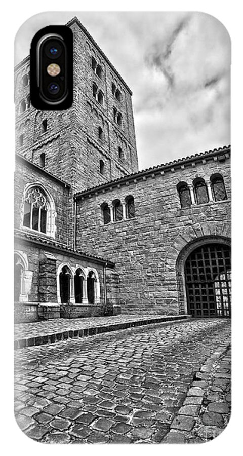 Gate IPhone X Case featuring the photograph Road To The Gatehouse by Mark Miller
