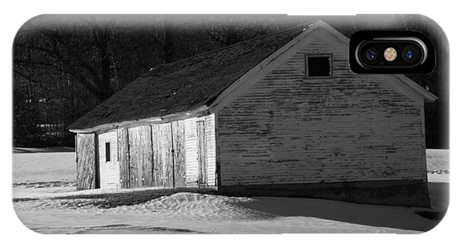 Wicked New England Photography IPhone X Case featuring the photograph Rustic Shack 2 by Michael Mooney