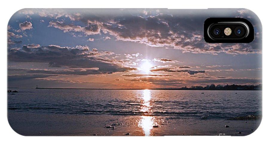 Beach IPhone X Case featuring the photograph Sea Level by Joe Geraci