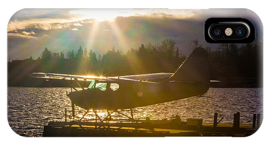 Seaplane IPhone X Case featuring the photograph Seaplane Sunset by Charlie Duncan