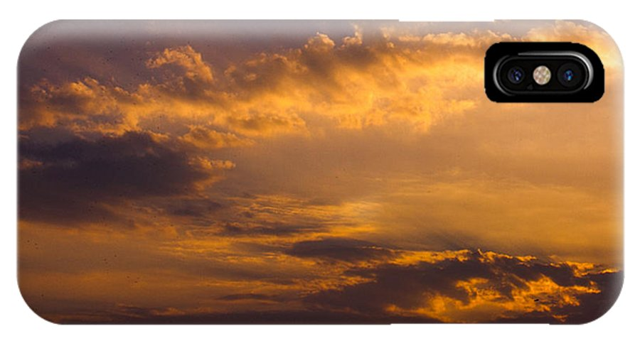 Sunset IPhone X Case featuring the photograph Setting Sunrays by Tyler Lucas