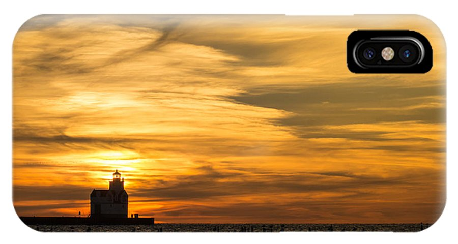 Lighthouse IPhone X Case featuring the photograph Shades Of Dawn by Bill Pevlor