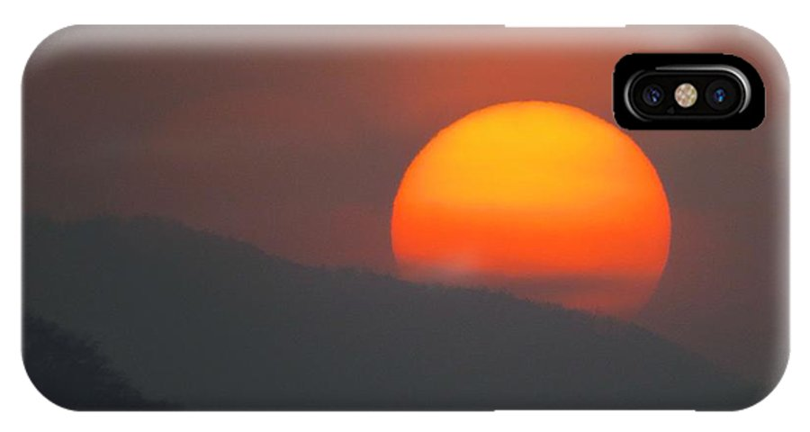 Scenic-mountain-sunset-smoggy-foggy-smoky-sunsets IPhone X Case featuring the photograph Smoky Sunset by Scott Cameron