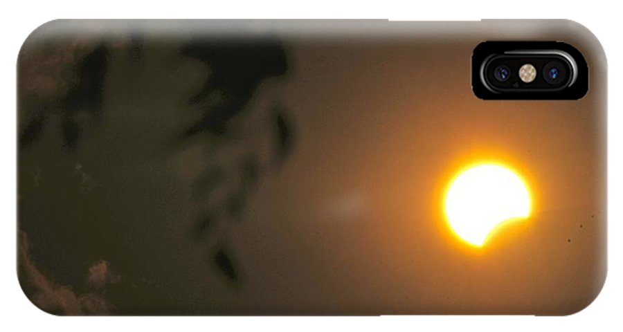 Landscapes IPhone X / XS Case featuring the photograph Solar Magic by David Pennington Sr