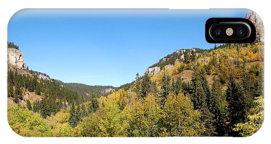 Foliage IPhone X Case featuring the photograph Starting To Turn by Dakota Light Photography By Dakota