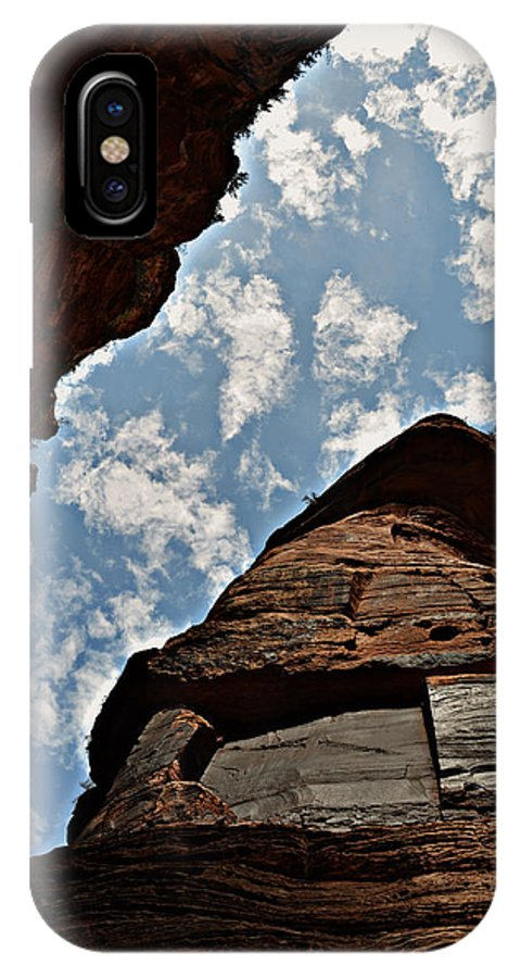 Mountains IPhone X Case featuring the photograph Subway Hike Zion Ut 35a by Alfredo Martinez