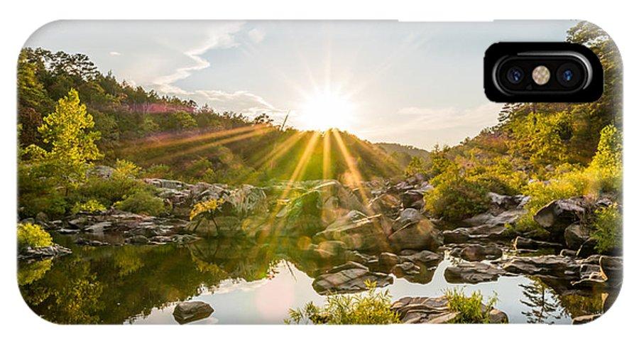 Millstream Gardens Conservation Area IPhone X Case featuring the photograph Sun Explosion by Shane Taitt