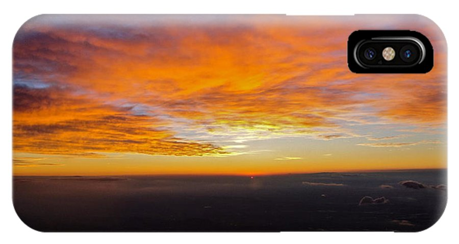 Airplane Sunrise IPhone X Case featuring the photograph Sunrise From The Airplane by Jennifer Lamanca Kaufman