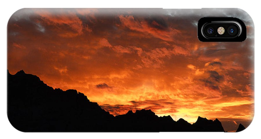 Badlands IPhone X Case featuring the photograph Sunset Splendor by Bob Christopher