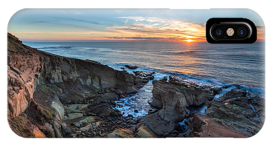 Seascape IPhone X / XS Case featuring the photograph The Bowl by Robert Bynum