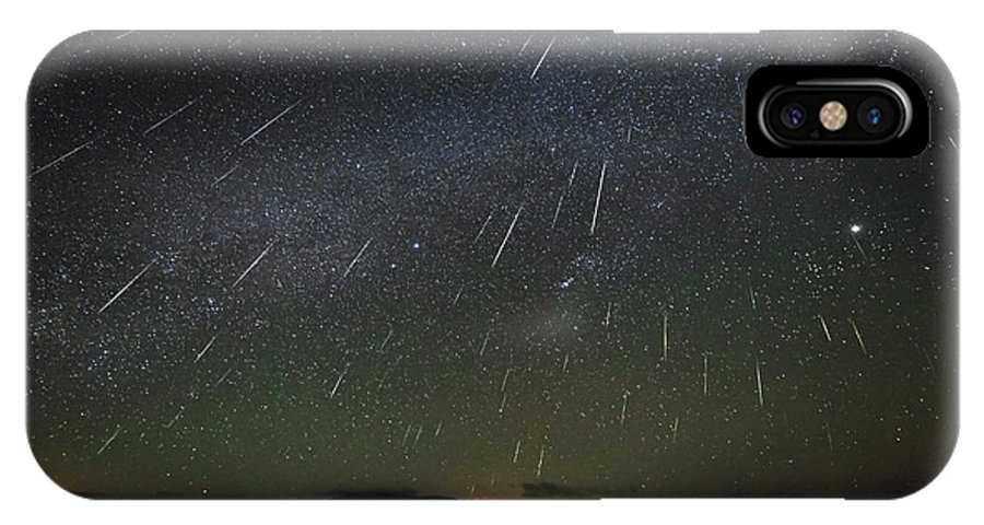 Horizontal IPhone X Case featuring the photograph The Geminids Meteor Shower Streaks by Jeff Dai