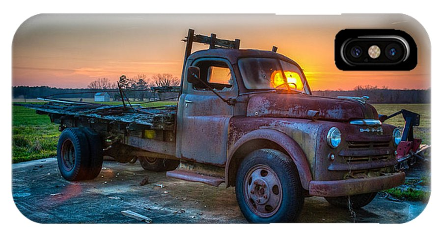 Bear Grass North Carolina IPhone X Case featuring the photograph The Old Farm Hand by Chris Modlin