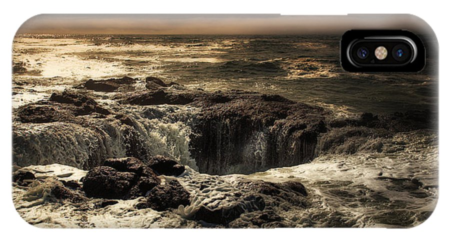 Thor's Well IPhone X Case featuring the photograph Thor's Well by Rick Luiten