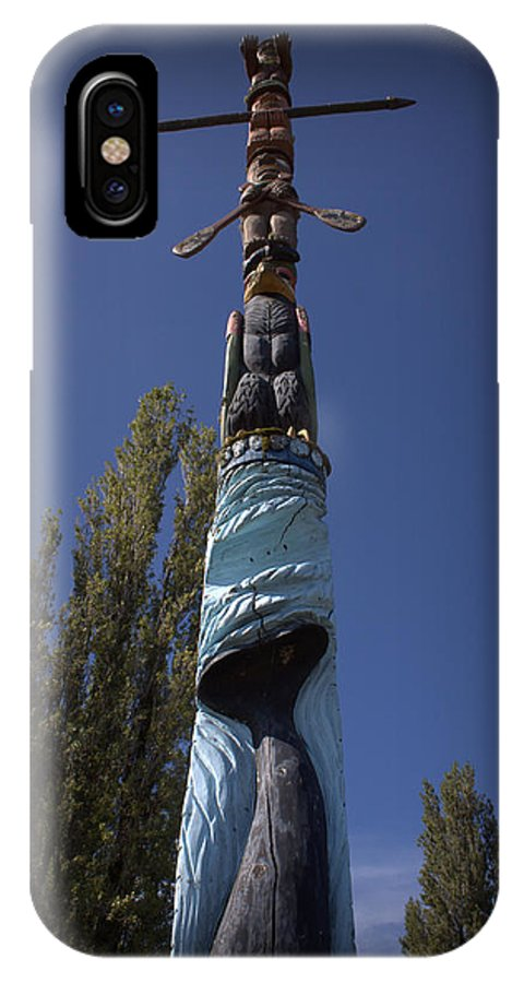 Totem Pole IPhone X Case featuring the photograph Totem by Daniel Jakus