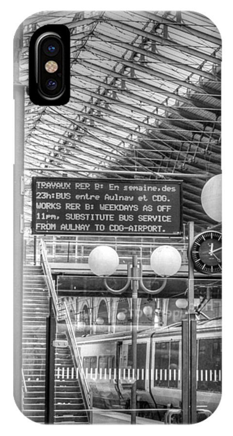 Travaux IPhone X / XS Case featuring the photograph Travaux On The Line by Ross Henton
