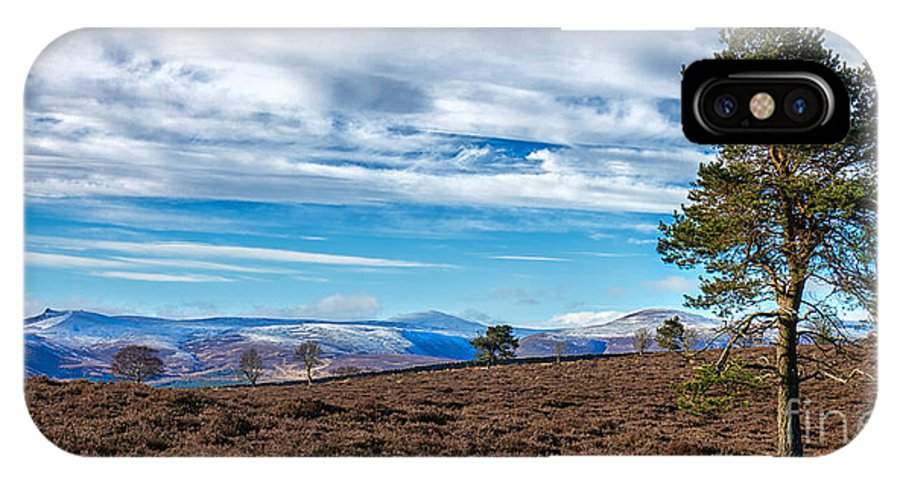 Scotland IPhone X Case featuring the photograph View From Scolty Hill 1 by Mike Stephen