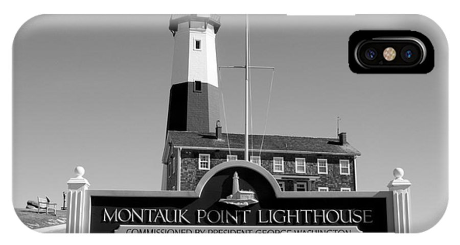 Vintage Looking Montauk Lighthouse IPhone X Case featuring the photograph Vintage Looking Montauk Lighthouse by John Telfer