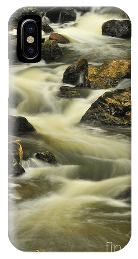 Michael Cummings IPhone X / XS Case featuring the photograph Waterfall Old Chelsea by Michael Cummings