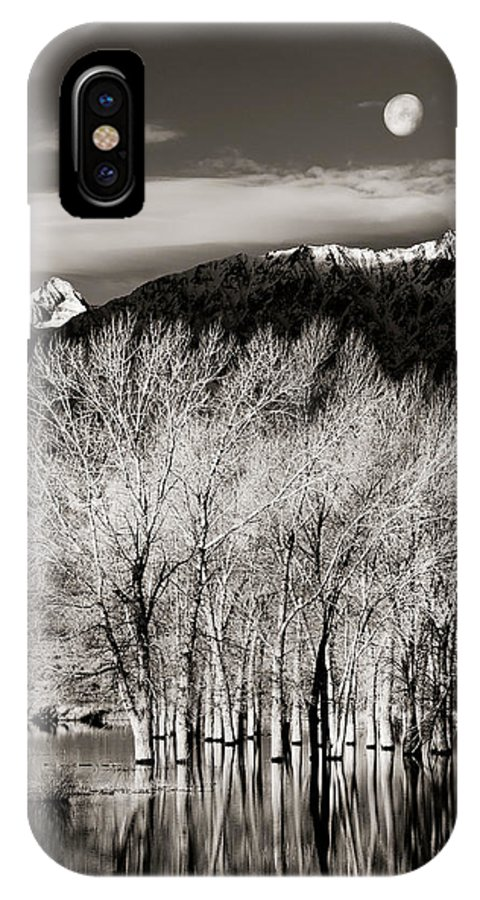 Bishop IPhone X Case featuring the photograph Winter Sunrise And Moonset by Josh Miller