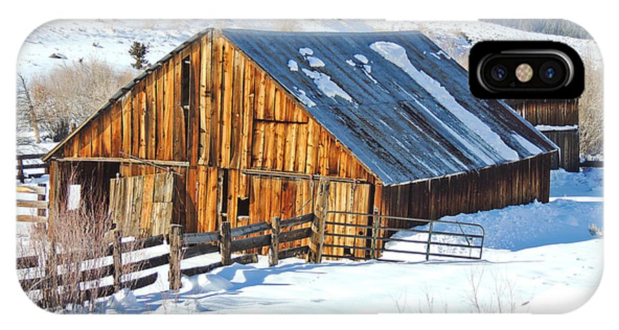Barn IPhone X Case featuring the photograph Wintering Range Barn by L J Oakes