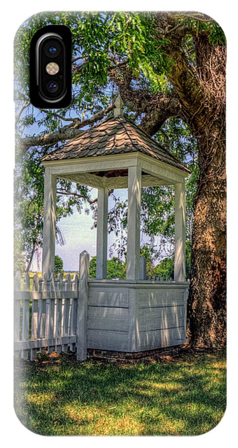Yorktown IPhone X Case featuring the photograph Wishing Well At Yorktown by Jerry Gammon