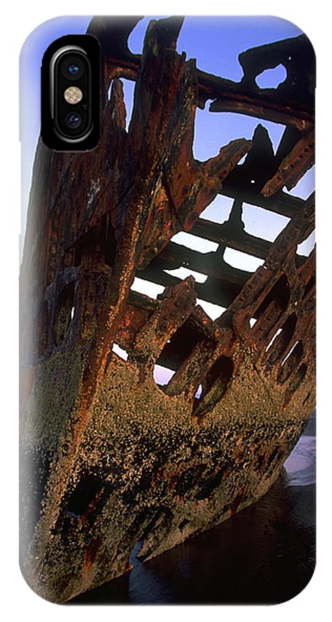 Clatsop IPhone X Case featuring the photograph Wreck Of The Peter Iredale by Don Baccus