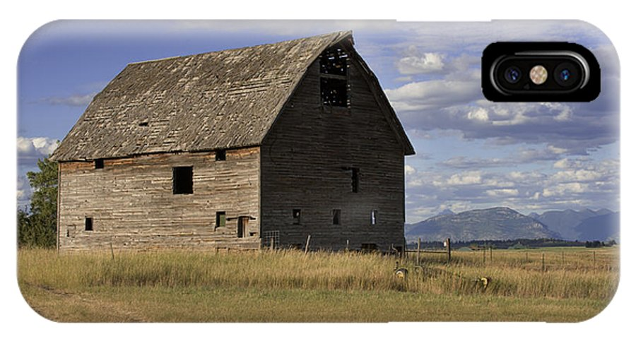 Big Sky IPhone X Case featuring the photograph Old Big Sky Barn by Sandra Bronstein